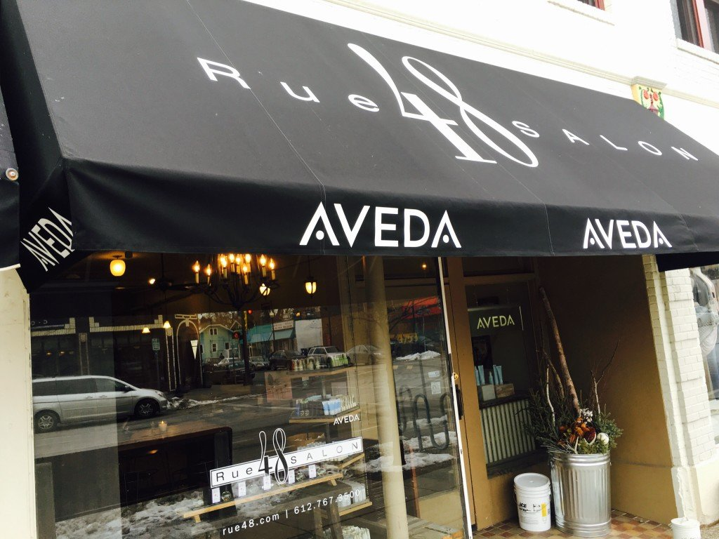 Awning of Rue48 Salon