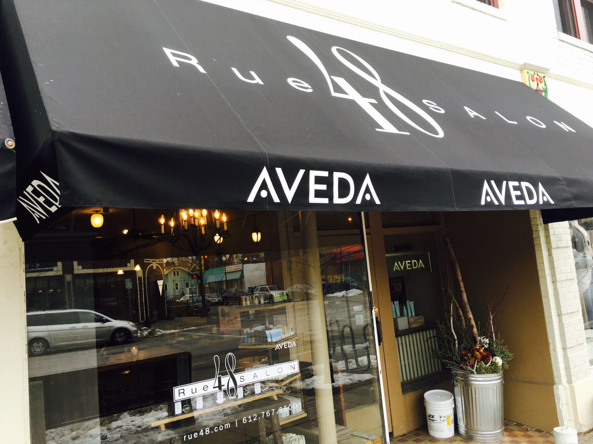 Awning of Rue48 Salon